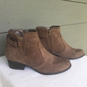 Unisa Taupe Faux Suede Boots